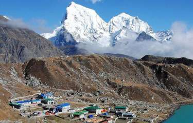 Gokyo Chola Pass to Everest Trekking